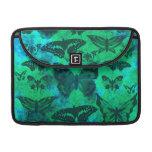 Trullo bonito y mariposas verdes fundas para macbooks