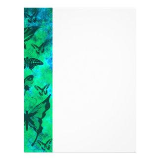 Trullo bonito y mariposas verdes membrete a diseño