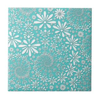 Trullo de la aguamarina y modelo de flores blanco  azulejo cuadrado pequeño