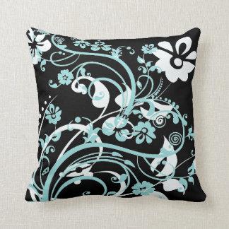 Trullo de la aguamarina y regalos florales negros  almohada