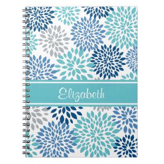 Trullo de la floración de la flor y cuaderno de