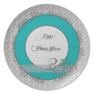 Trullo de plata feliz de la luz de la placa de la  plato de comida