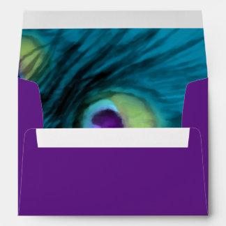 Trullo de Quinceanera y pavo real púrpura Sobre