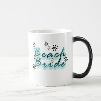 Trullo/novia negra de la playa taza mágica