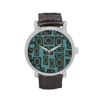 Trullo retro y modelo de color topo de los anillos relojes