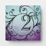 Trullo rústico y número bohemio púrpura de la tabl placa