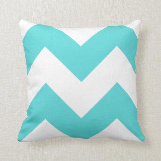 Trullo y almohada blanca del zigzag