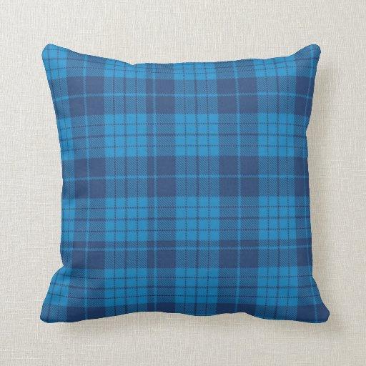 Trullo y almohada de tiro azul de la tela escocesa