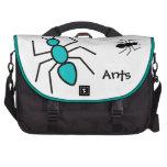 Trullo y hormigas negras del vector bolsa para ordenador