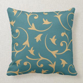 Trullo y oro grandes barrocos del diseño almohada