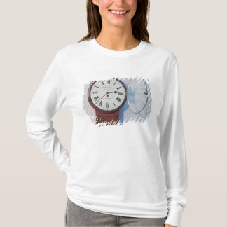Trunk dial clock, London, 1850 T-Shirt