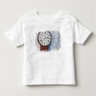 Trunk dial clock, London, 1850 Toddler T-shirt