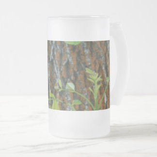 Trunk with Foliage Frosted Glass Beer Mug