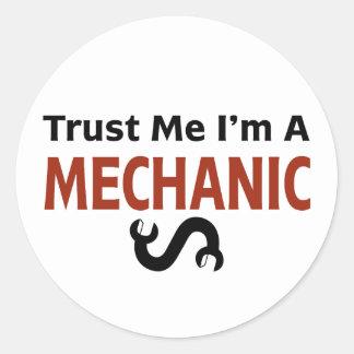 Trust Me I'm A MECHANIC Classic Round Sticker