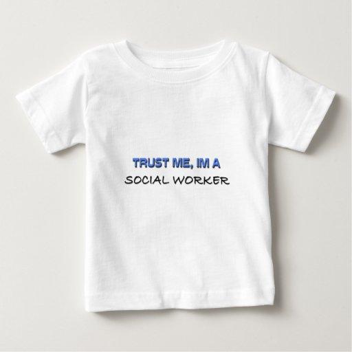 Trust Me I'm a Social Worker T-shirt