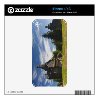 Ttraditional wooden Russian Orthodox church 5 iPhone 4 Skin