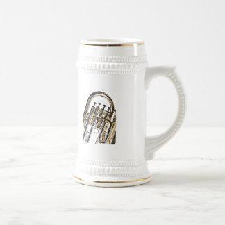 Tuba en el fondo blanco tazas de café