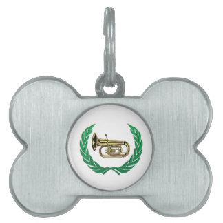 tuba en verde placa mascota