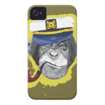 Tubo que fuma del chimpancé iPhone 4 Case-Mate cárcasa