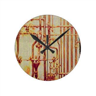 Tubos antiguos estilizados de la pared reloj redondo mediano