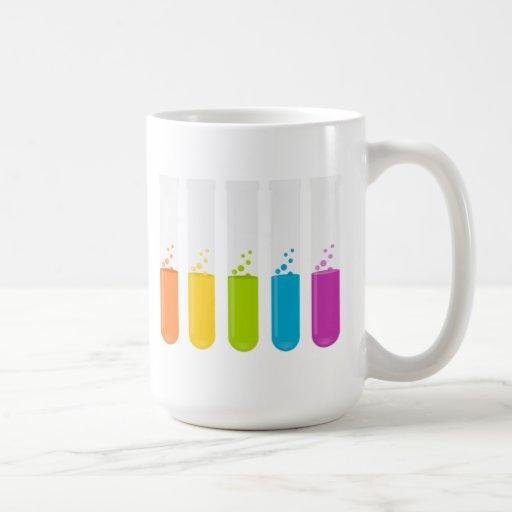 Tubos de ensayo de la ciencia de la química taza de café