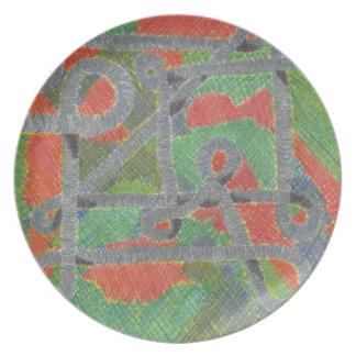Tubos Twisty sobre la placa dura de la melamina de Plato Para Fiesta