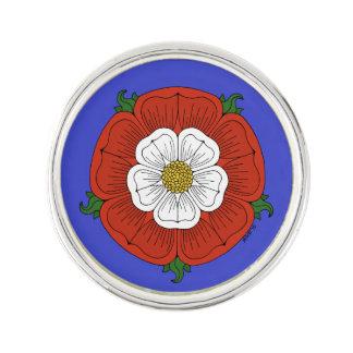 Tudor subió insignia