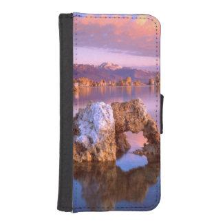 Tufa arch at Mono Lake Phone Wallet Case