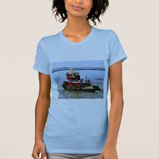 Tugboat at Penn's Land Philadelphia, PA T-Shirt