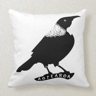 Tui   New Zealand / Aotearoa Throw Pillow