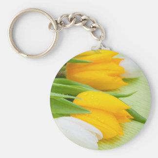 Tulipán amarillo llavero redondo tipo pin