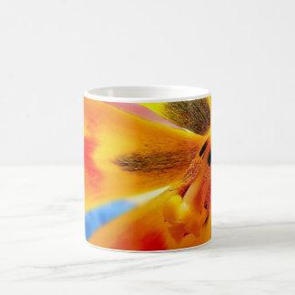 tulipán amarillo taza clásica