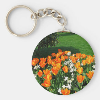 Tulipán anaranjado en productos múltiples llavero redondo tipo pin