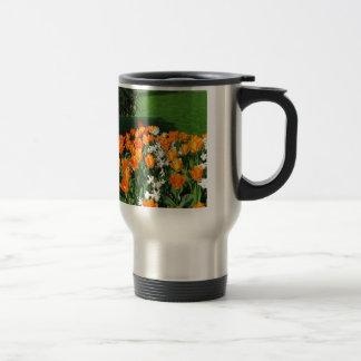 Tulipán anaranjado en productos múltiples taza de viaje de acero inoxidable