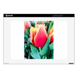¡Tulipán rojo - personalizable! Skins Para 38,1cm Portátil