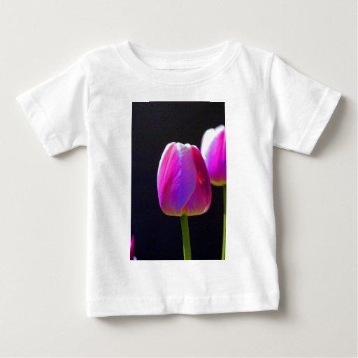 Tulipán rosado playeras