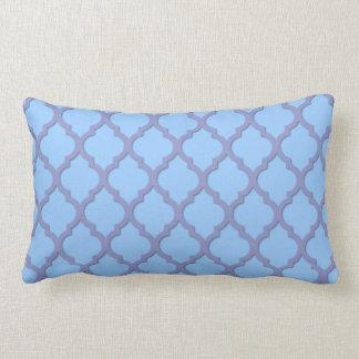 Tulipán violeta Quatrefoil con el azul apacible Cojines
