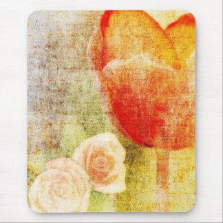 Tulipán y rosas rojos inspirados tapetes de ratón