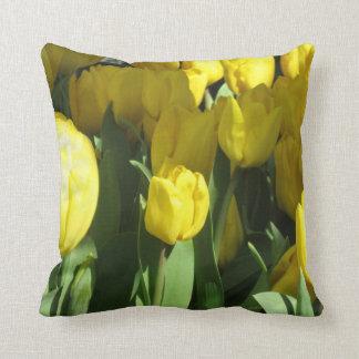 Tulipanes amarillos almohada