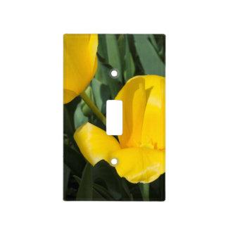 Tulipanes amarillos brillantes cubierta para interruptor