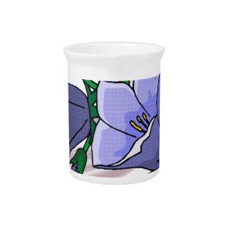 Tulipanes azules en remolino del ciruelo jarra de beber