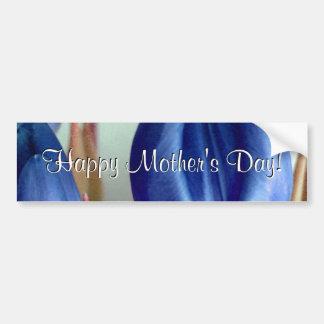 Tulipanes azules felices del día de madre etiqueta de parachoque