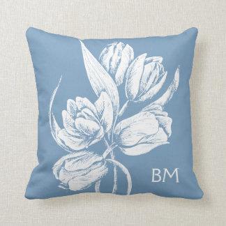 Tulipanes blancos del monograma en azul de la almohadas