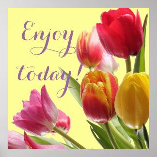 Tulipanes coloridos con la cita adaptable póster