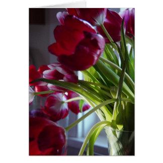 Tulipanes del cumpleaños tarjeta de felicitación