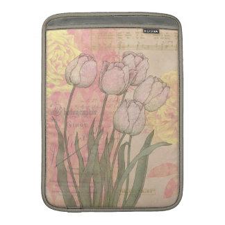 Tulipanes del vintage en fondo floral fundas macbook air