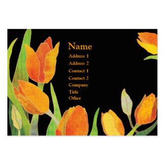 Tulipanes elegantes naranja y tarjetas de visita