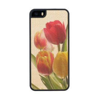 Tulipanes en el país funda de madera para iPhone SE/5/5s