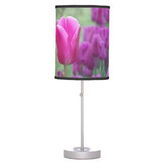 Tulipanes púrpuras