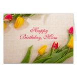 Tulipanes rojos, tarjeta de cumpleaños de encargo